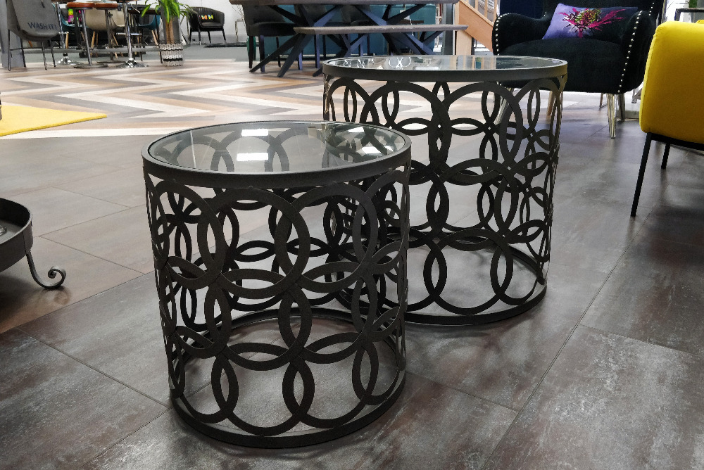 Iron Circles Table Set